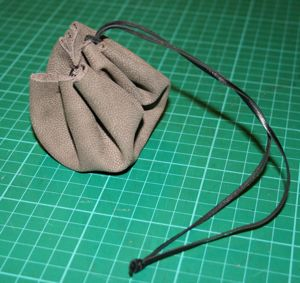 A simple pouch based on a excavated find from Viking Hedeby (in modern Denmark).